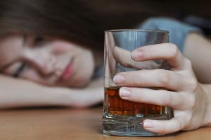 Teens drinking regularly face worse alcohol problems than adults