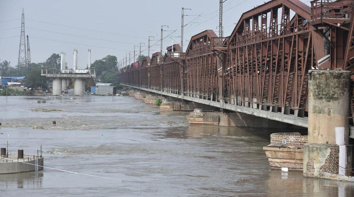 Yamuna river, Yamuna river danger mark, Delhi Yamuna, Yamuna River, Yamuna water inflow,