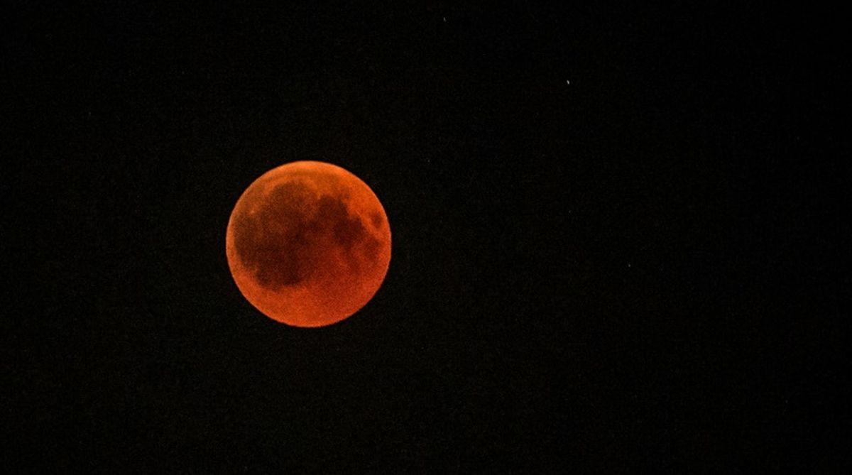 lunar eclipse, Skywatchers, Tom Kerss, Mars, NASA, Moon, sun, blood moon
