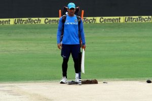 MS Dhoni planning retirement? Here is what Ravi Shastri said