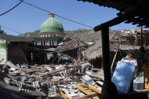 Indonesia raises Lombok island earthquake toll to 460