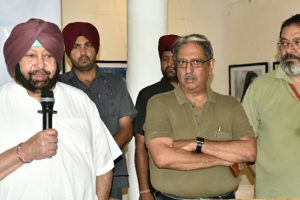 Punjab CM Amarinder Singh censures Sidhu for embracing Pak Army chief