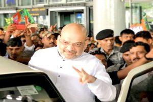 Amit Shah faces black-flag protest in Kolkata