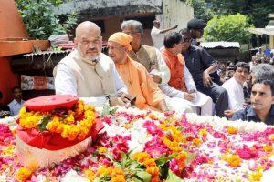 Atal Bihari Vajpayee's ashes immersed in the Ganges at Har ki Pauri