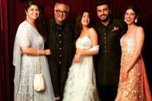 Arjun Kapoor proud of 'real showstoppers' Khushi Kapoor and Anshula Kapoor