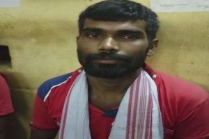 Kissing baba who claimed to cure women with his 'chamatkari chumban' arrested