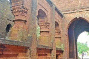 Vehicles banned at Bishnupur gateways
