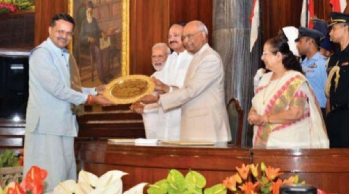 Bhartruhari Mahatab, Outstanding Parliamentarian Award, Odisha, President Ram Nath Kovind