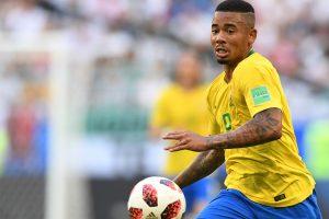 Manchester City forward Gabriel Jesus puts pen to paper new deal