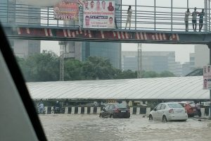Heavy rains lash Delhi-NCR, waterlogging disrupts traffic in Gurgaon