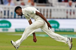 India vs England, 3rd Test: Pandya's 5/28 wraps up England at 161