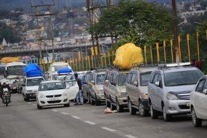 One-way traffic for heavy vehicles on Jammu-Srinagar highway today