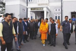 Cong members again walk out from HP House against party MLAs' suspenion