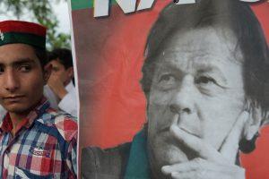 Imran Khan to take oath on August 18 | Kapil Dev, Sunil Gavaskar, Sidhu invited