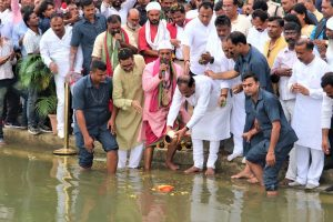 Vajpayee's ashes immersed in Jharkhand's Swarnrekha river
