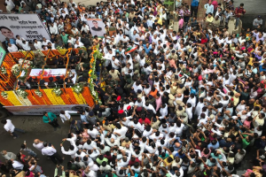 Thousands bid emotional adieu to Major Kaustubh Rane in Mumbai