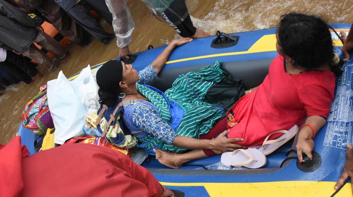 Kerala floods, Kerala flood rescue, Kerala rescue, Indian Navy, Keralites