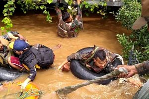 Kerala floods | Skies clear up, battle ahead to bring life back on track