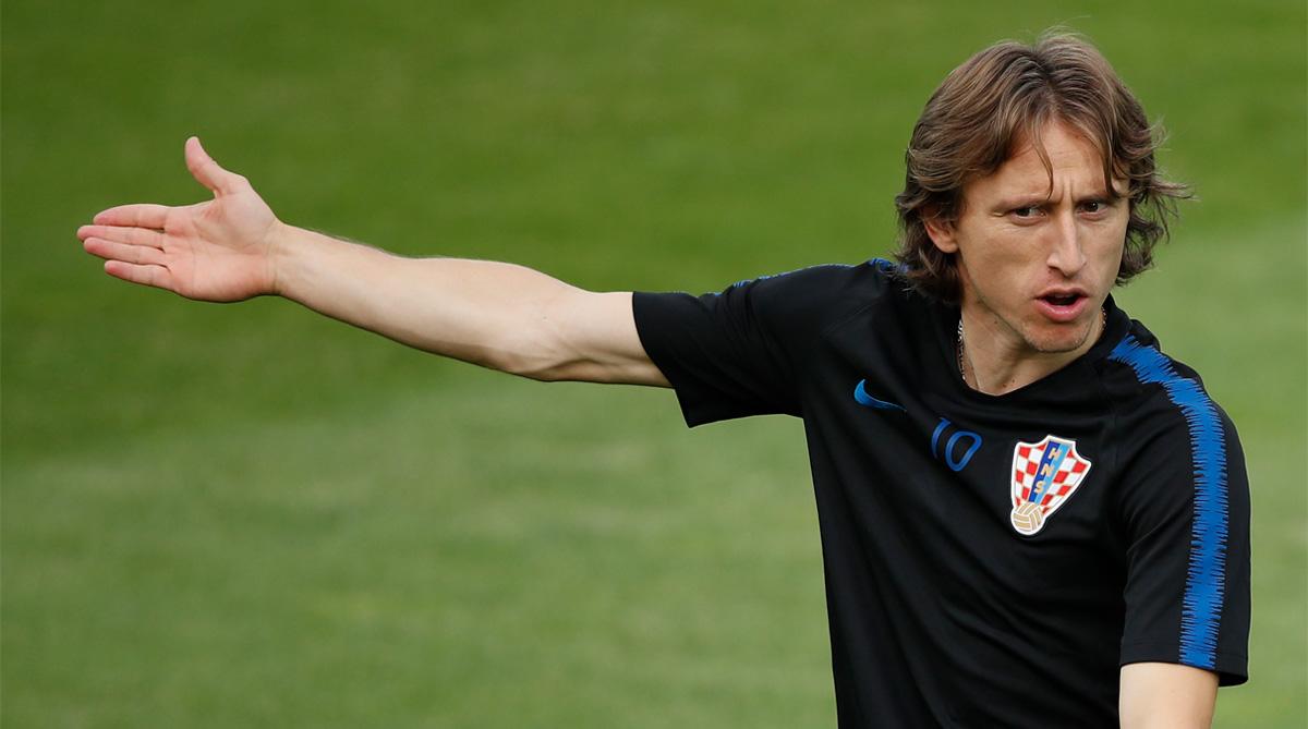 5c64ad6b3e5 Luka Modric returns to Real Madrid training amid transfer speculation