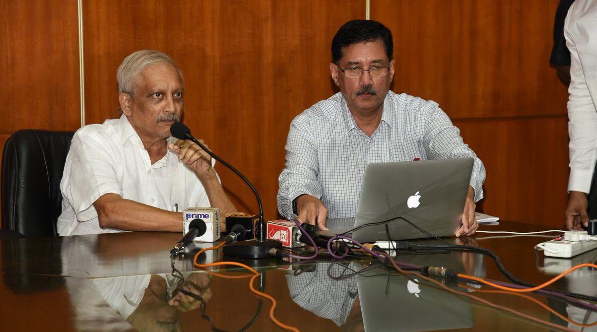 Manohar Parrikar, legislative cure, Goa mining sector, Goa CM, Narendra Singh Tomar