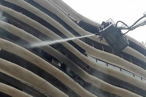 4 dead, 14 injured as Mumbai residential building catches fire