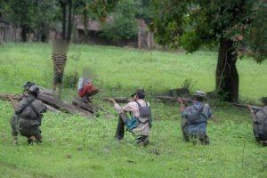 Naxals kill man on suspicion of being police informer