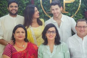 This video of Priyanka Chopra, Nick Jonas' moms dancing to a Punjabi song is a must watch