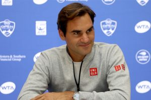 Federer to talk with Djokovic about ATP board woes