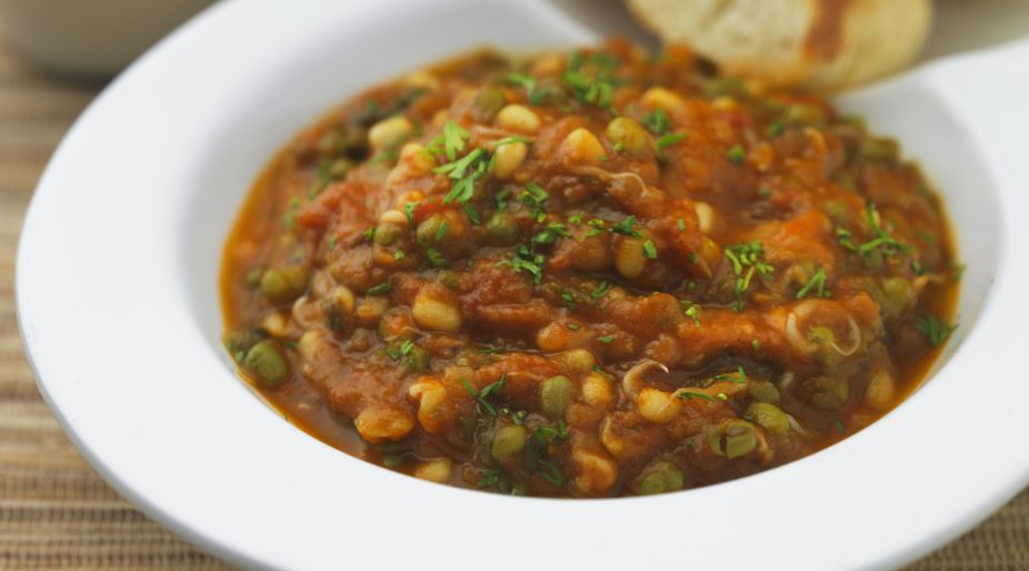 Sprouts Pav Bhaji