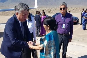 Sushma Swaraj meets Kyrgyzstan counterpart, discusses ways to boost ties