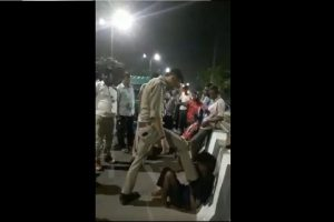 UP police cop suspended after video shows him thrashing rickshaw-driver