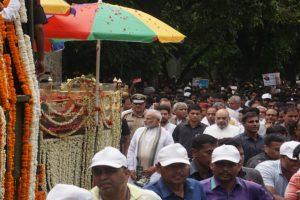 Modi, Shah walk with sea of mourners to bid adieu to Vajpayee