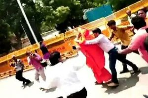 Swami Agnivesh heckled outside BJP headquarters