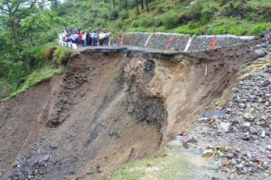 Landslides affect traffic movement in Sikkim, Bengal