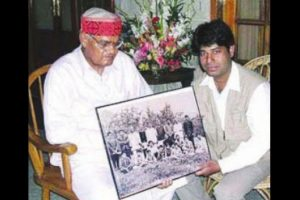 Vajpayee's death a loss to nation, say Himachal Guv, CM