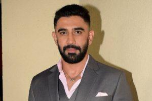 Amit Sadh starts shooting for 'India Strikes-10 Days'