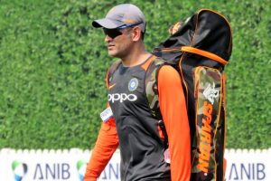 Selectors 'not pleased' with Dhoni's captaincy return during Asia Cup