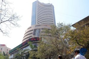 Sensex recovers from day's low, still trades 500 points lower