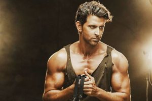 Hrithik Roshan surprises fan with special gift | See video