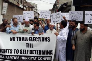 Hurriyat activists start anti-election campaign in Kashmir