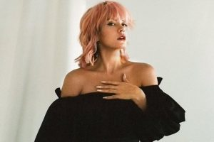 I slept with female escorts when I was on tour: Lily Allen