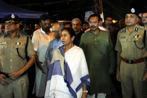 Majerhat Bridge collapse: Toll rises to 2 | Mamata Banerjee to hold meeting with PWD, KMDA