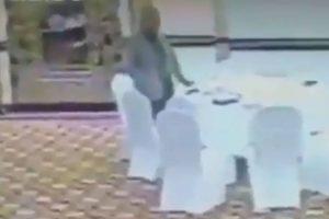 WATCH | Pakistan bureaucrat steals visiting Kuwaiti delegate's wallet, suspended