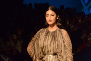 Shruti Haasan performs in London for the first time