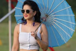 Sunny Leone accused of not returning signing amount for Patel Ki Punjabi Shaadi