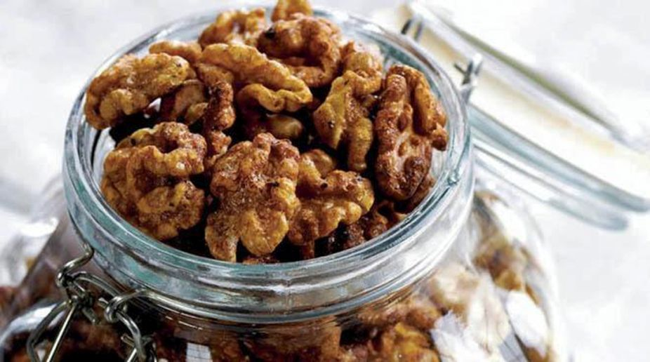 Sweet & Spicy Walnuts