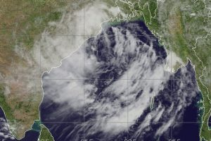 Cyclone Daye makes landfall; heavy downpour in Odisha, AP on high alert