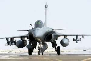 'India's biggest defence scam': Cong submits memorandum on Rafale deal