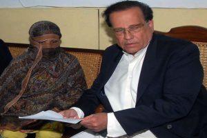 Blasphemy case: Pak SC sets aside death sentence of Christian woman Asia Bibi