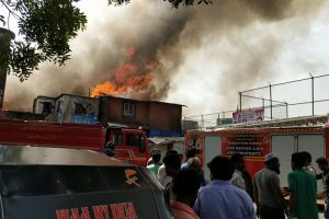 Mumbai: Fire breaks out in Bandra slum, 9 fire engines on spot